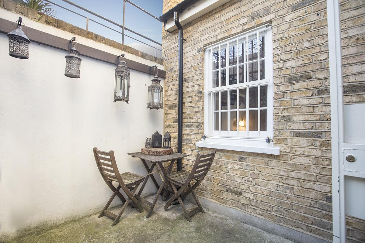 Flat/Apartment Sale Agreed in Camberwell Grove, SE5 240 view10
