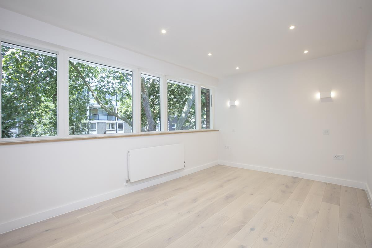 House - End Terrace For Sale in Camberwell Grove, SE5 352 view22