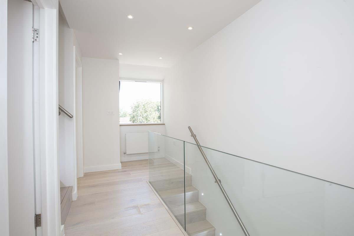House - End Terrace For Sale in Camberwell Grove, SE5 352 view21