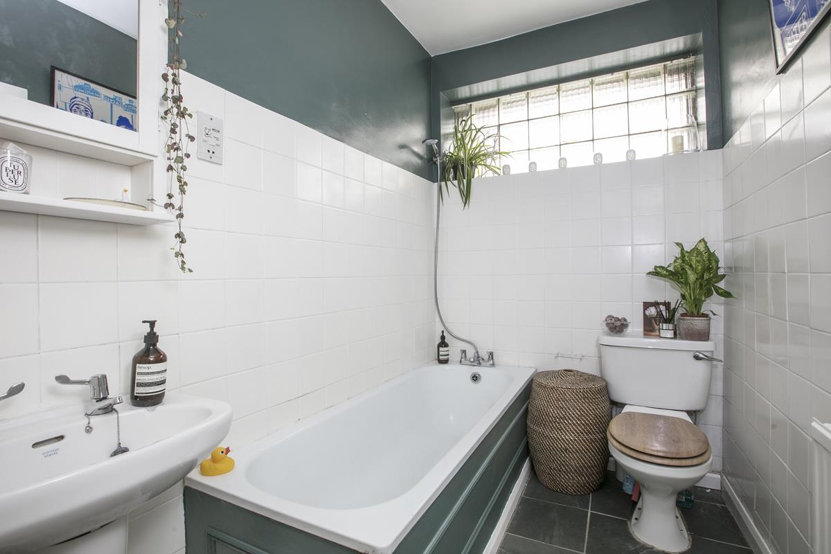 Flat - Conversion For Sale in Camberwell Grove, SE5 353 view11