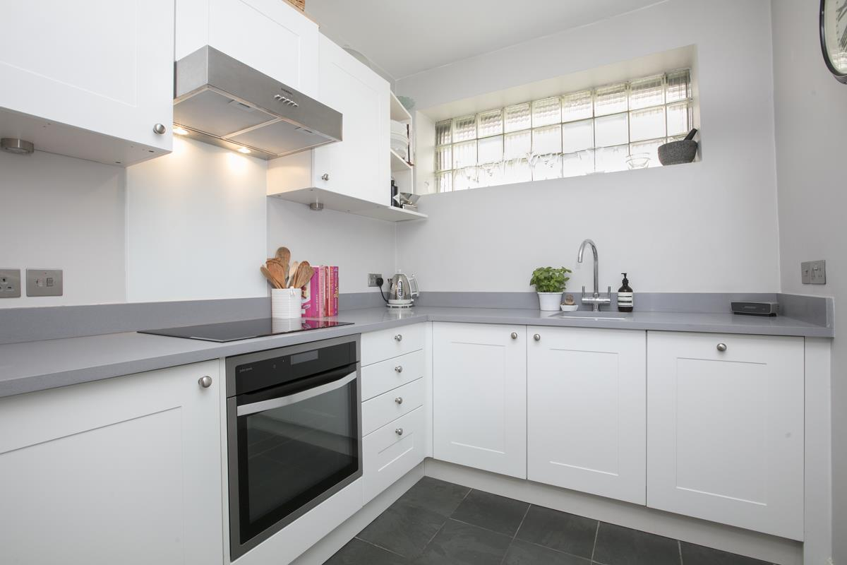 Flat - Conversion For Sale in Camberwell Grove, SE5 353 view3