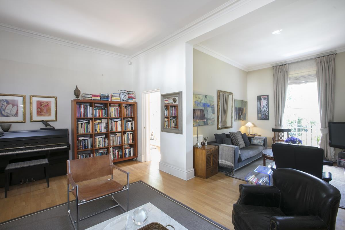 House - Terraced Sale Agreed in Camberwell Grove, SE5 357 view11