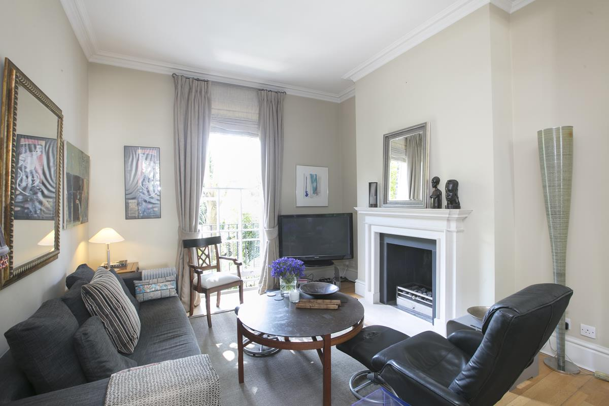 House - Terraced Sale Agreed in Camberwell Grove, SE5 357 view24