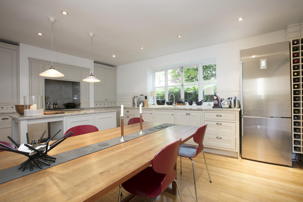 House - Terraced Sale Agreed in Camberwell Grove, SE5 357 view4