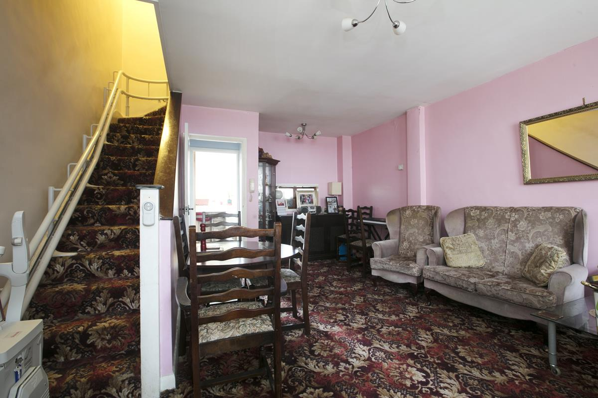 House - Terraced For Sale in Camberwell Grove, SE5 362 view2