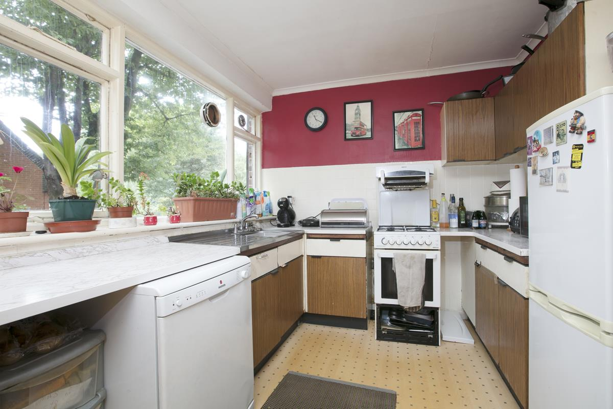 House - Terraced For Sale in Camberwell Grove, SE5 362 view4