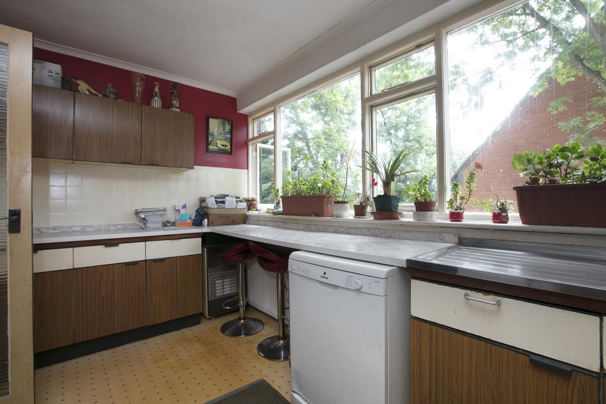 House - Terraced For Sale in Camberwell Grove, SE5 362 view3
