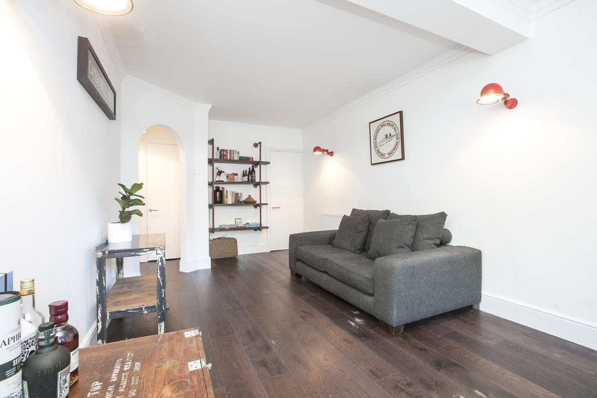 Flat - Conversion For Sale in Camberwell New Road, SE5 355 view4