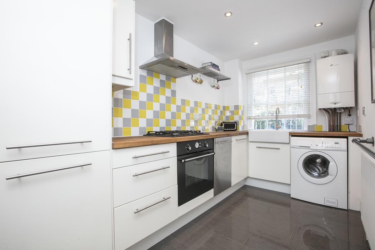 Flat - Conversion For Sale in Camberwell New Road, SE5 355 view5