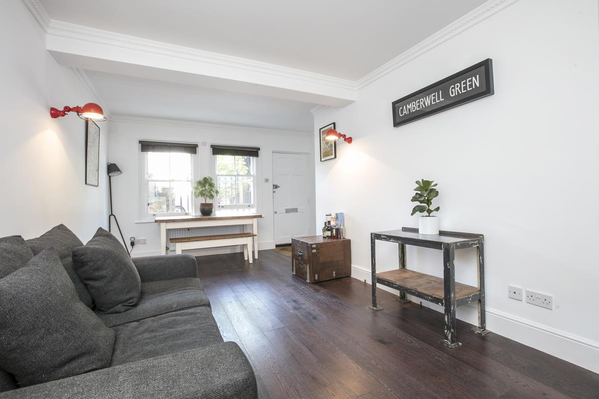 Flat - Conversion For Sale in Camberwell New Road, SE5 355 view1