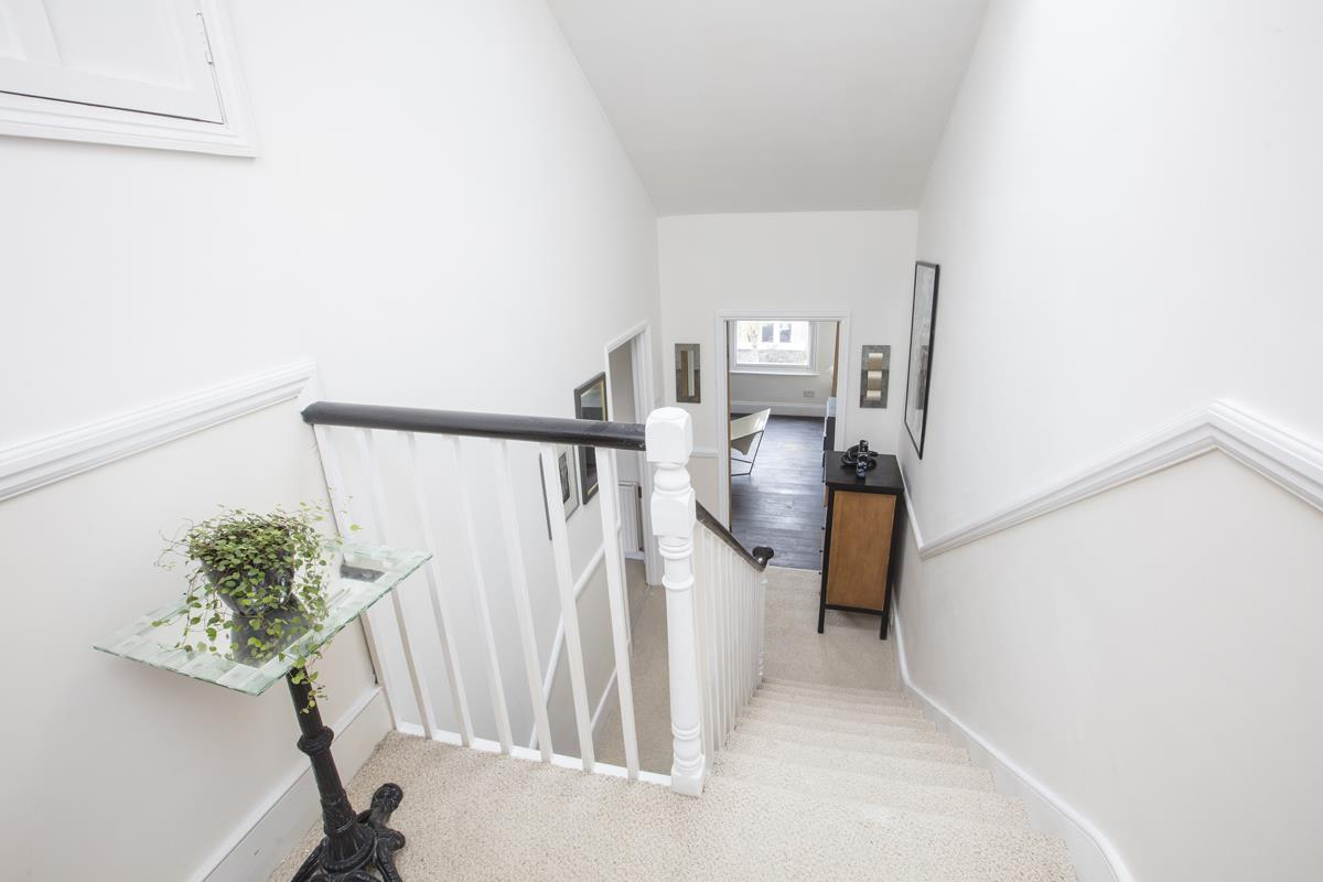 House - Semi-Detached For Sale in Carden Road, SE15 224 view19