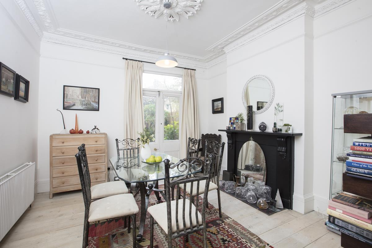 House - Semi-Detached For Sale in Carden Road, SE15 224 view4