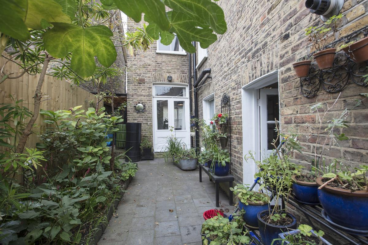 House - Semi-Detached For Sale in Carden Road, SE15 224 view25