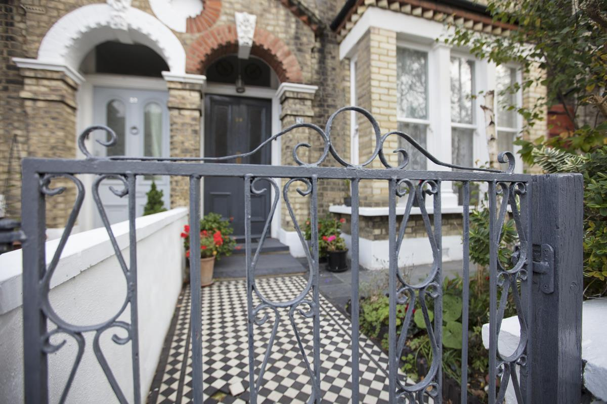 House - Semi-Detached For Sale in Carden Road, SE15 224 view28