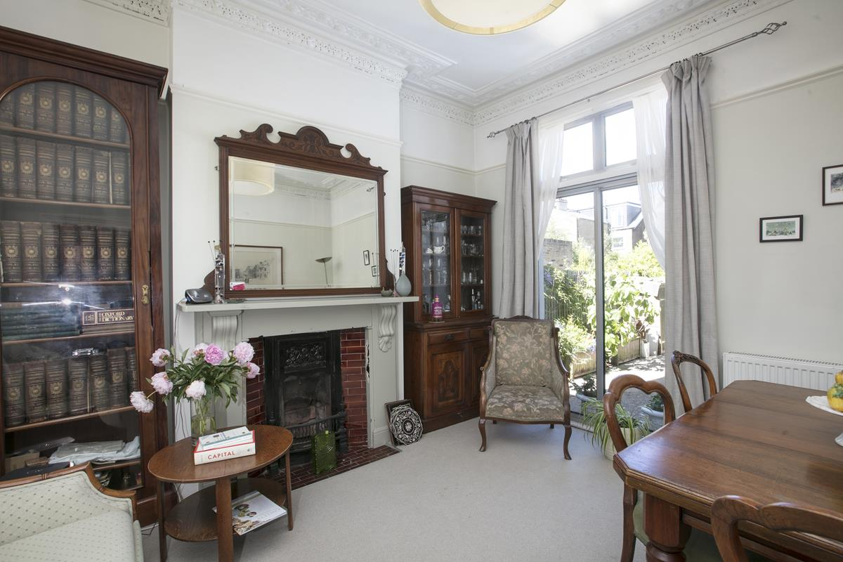 House - Semi-Detached For Sale in Carden Road, SE15 351 view4