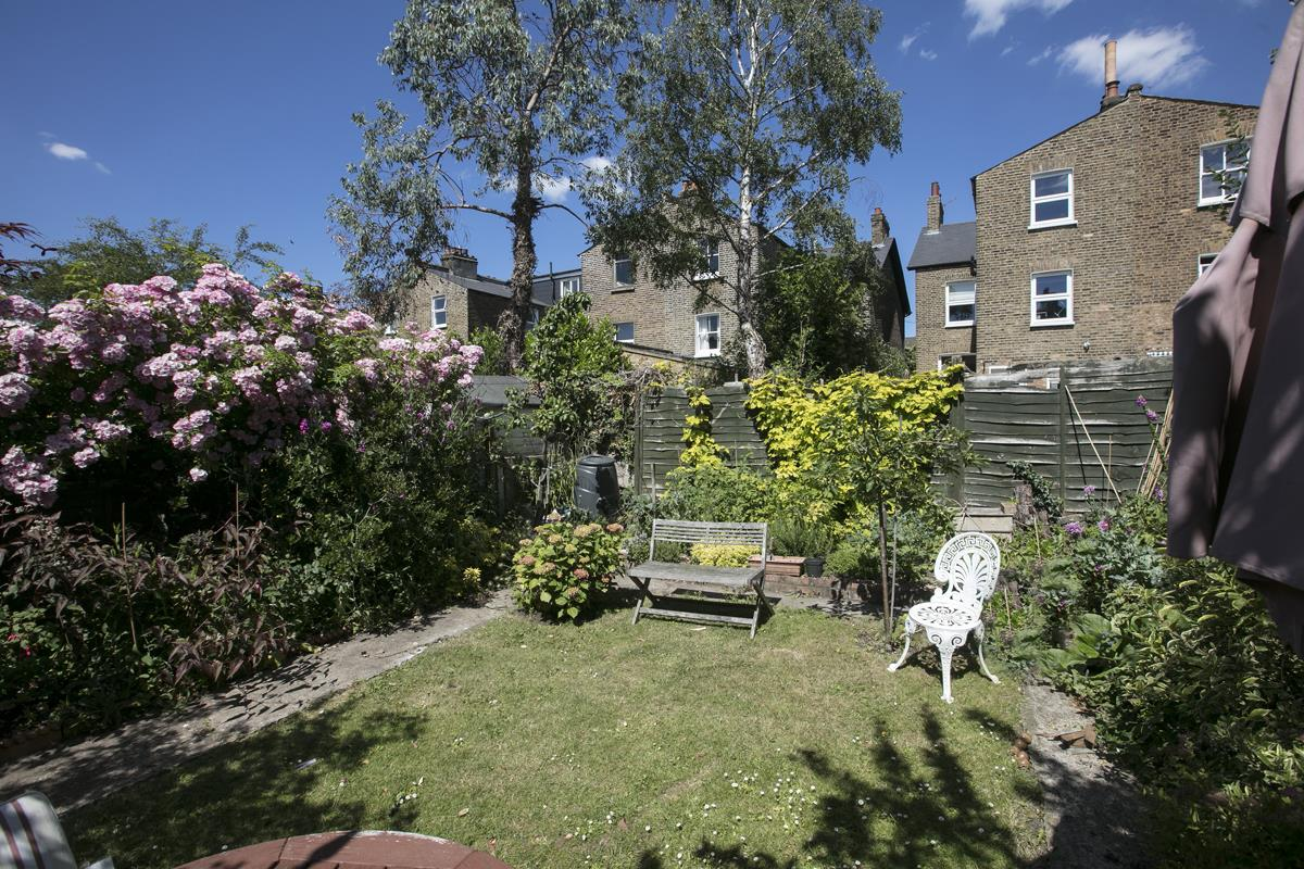 House - Semi-Detached For Sale in Carden Road, SE15 351 view7