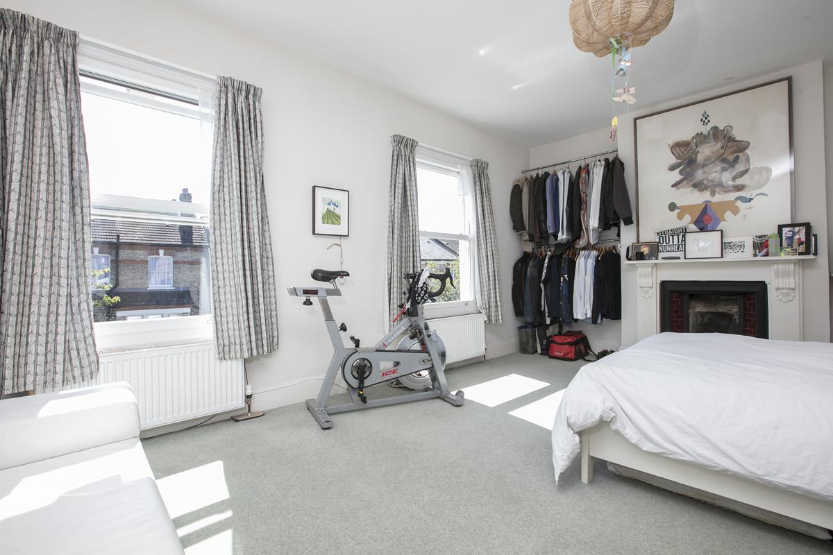 House - Semi-Detached For Sale in Carden Road, SE15 351 view20
