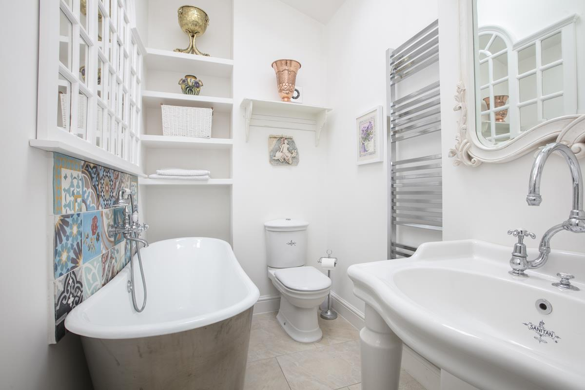 House - Semi-Detached For Sale in Champion Grove, SE5 364 view16