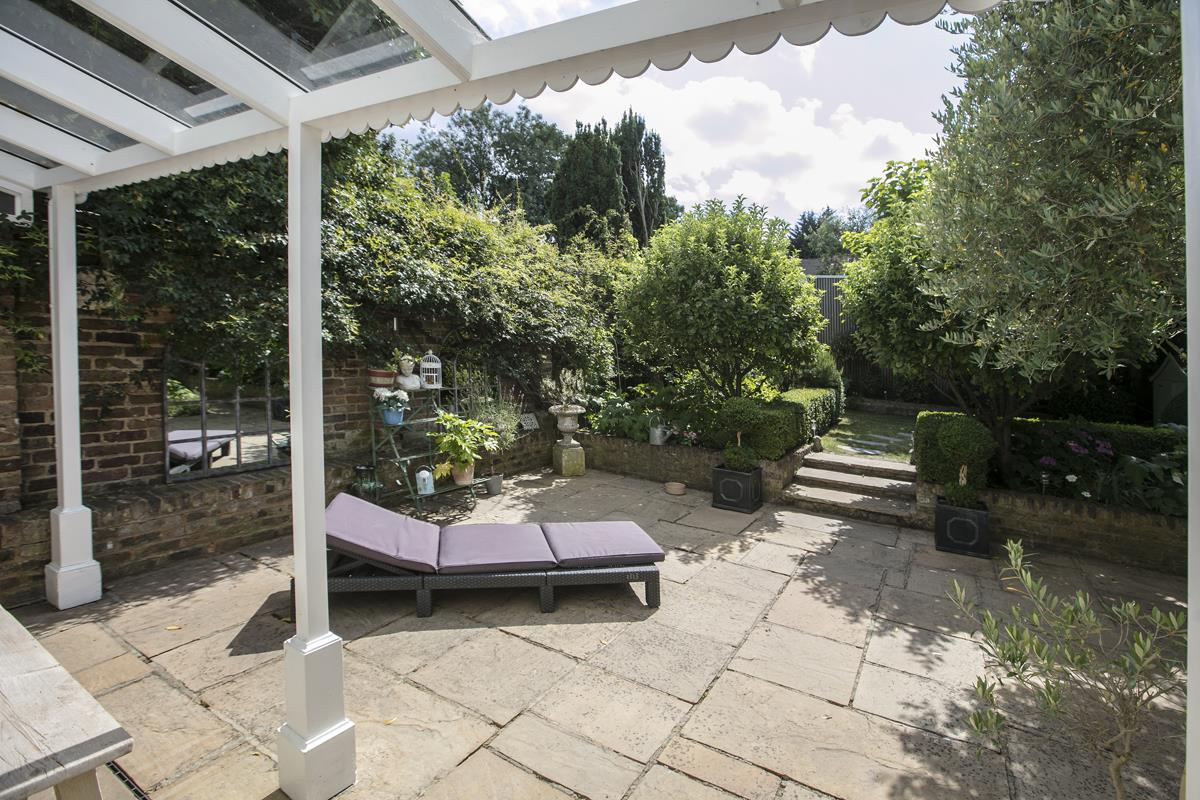 House - Semi-Detached For Sale in Champion Grove, SE5 364 view39