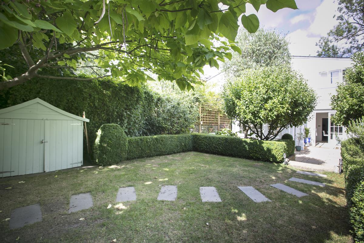 House - Semi-Detached For Sale in Champion Grove, SE5 364 view40