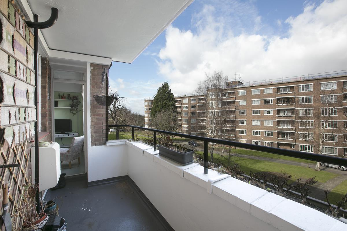 Flat/Apartment Sale Agreed in Champion Hill, SE5 294 view4