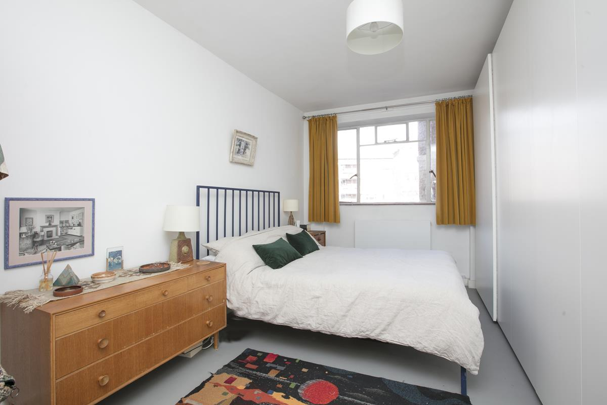 Flat/Apartment Sale Agreed in Champion Hill, SE5 294 view6