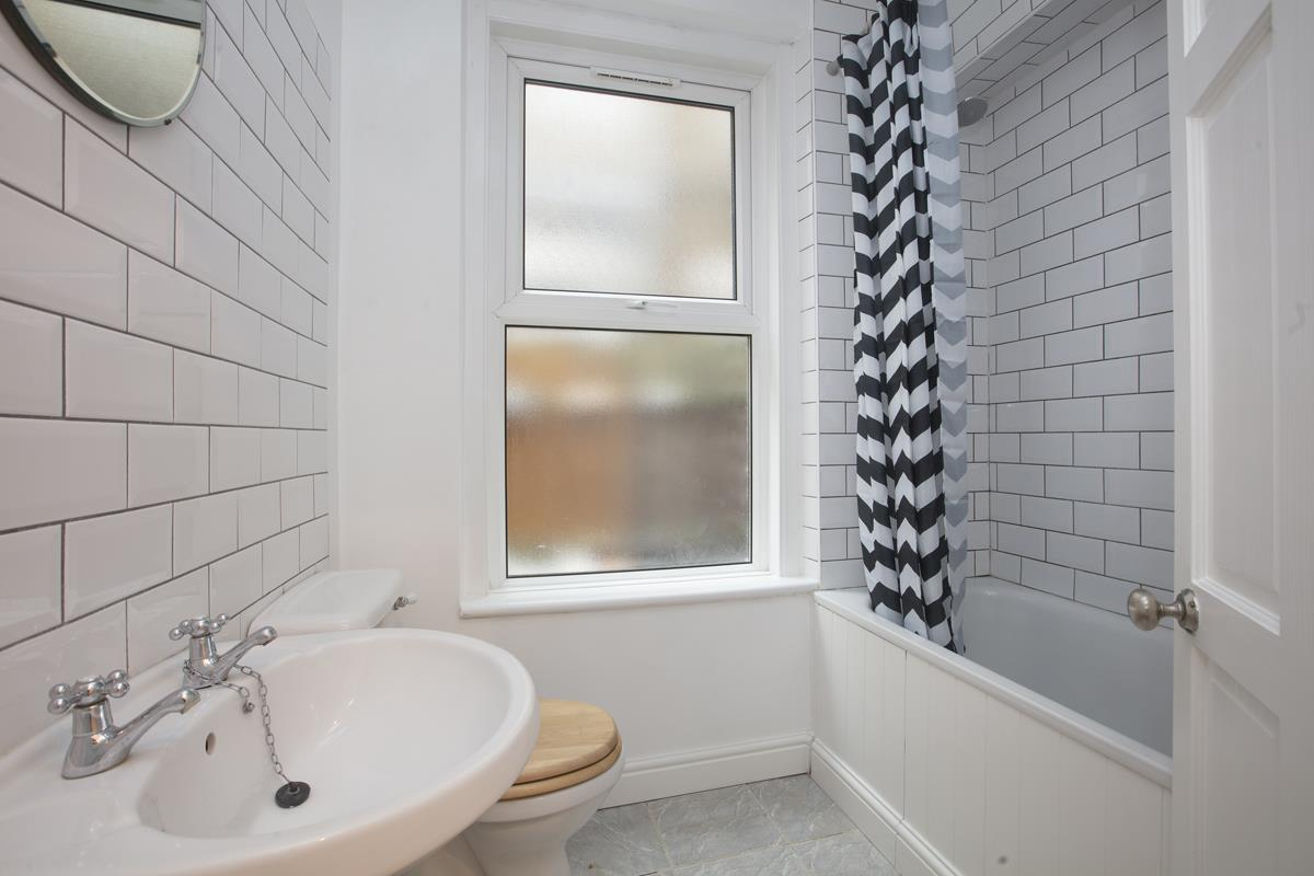 Flat - Conversion For Sale in Coldharbour Lane, SE5 250 view9