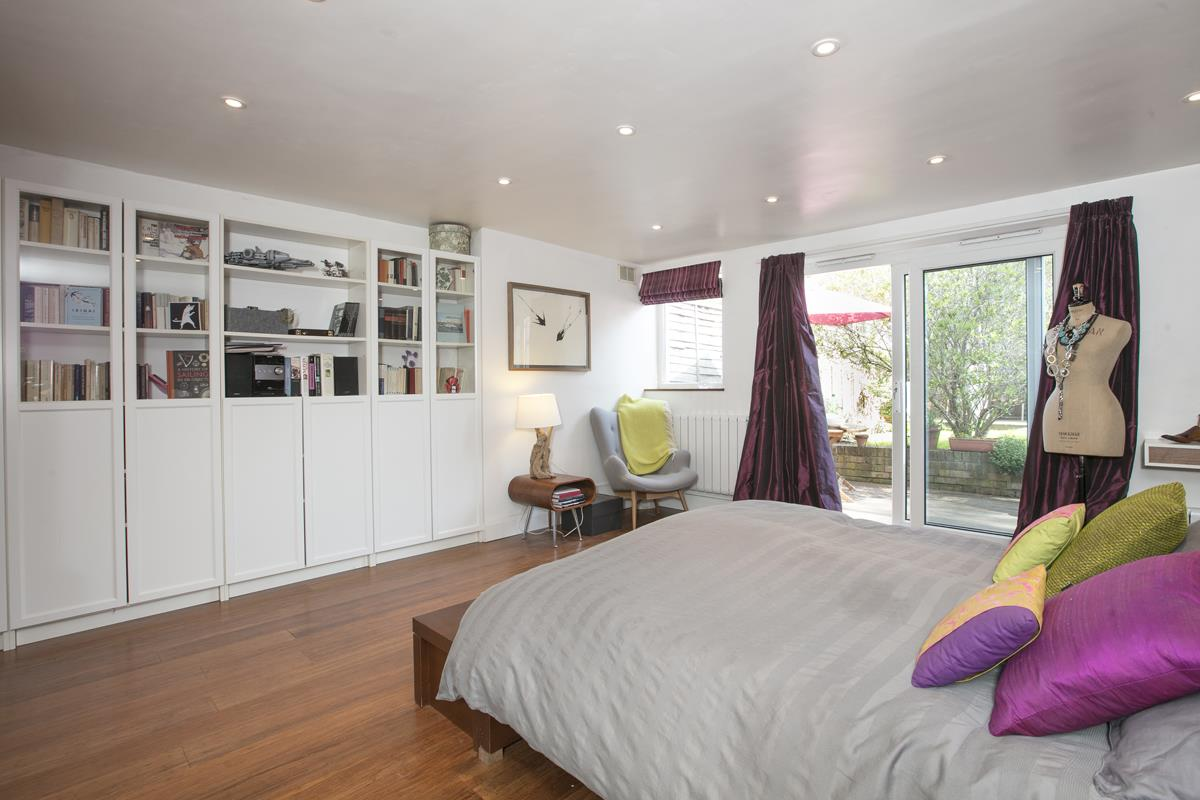 Flat - Conversion Sale Agreed in Consort Road, SE15 305 view11