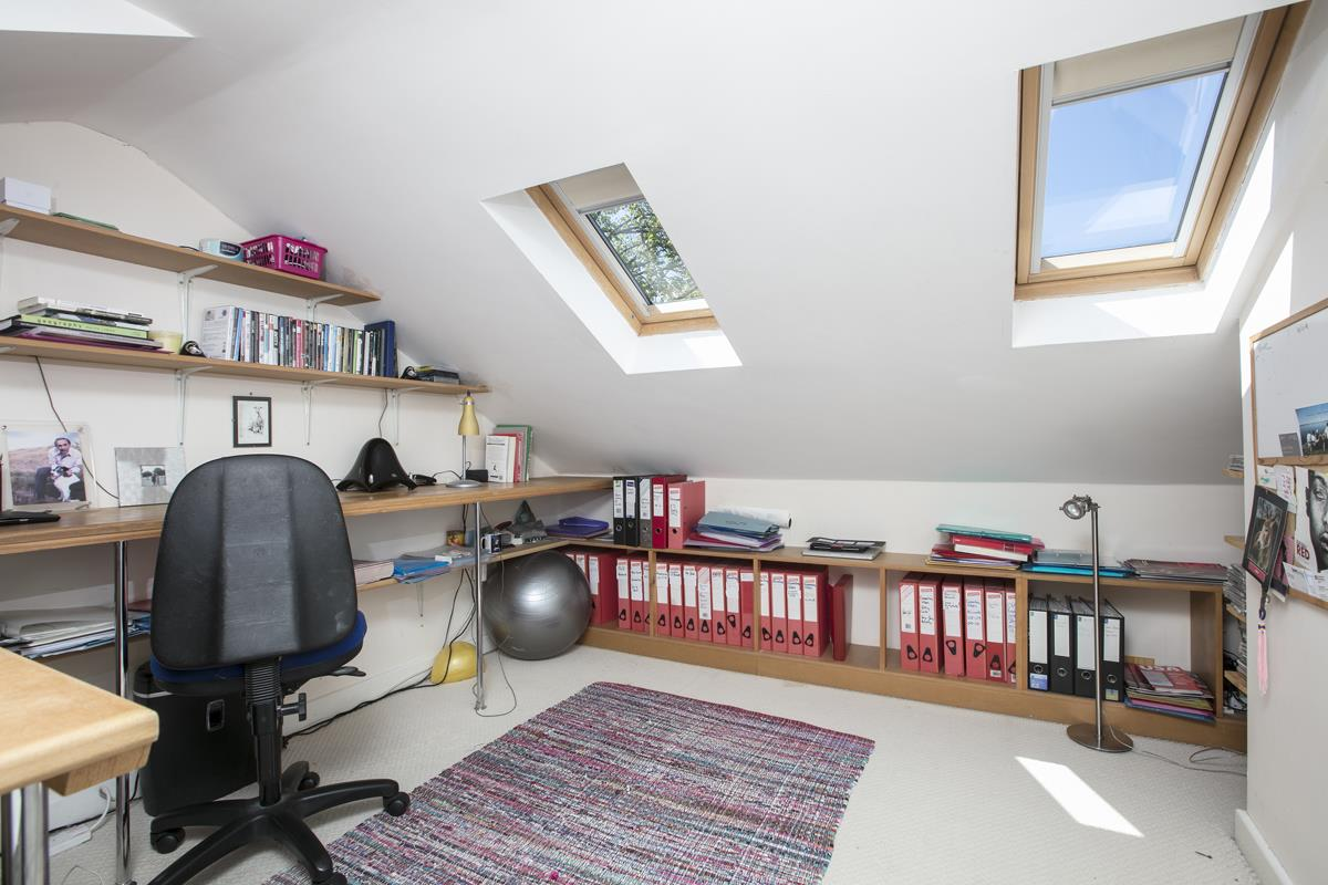 House - Terraced Sale Agreed in Costa Street, SE15 321 view6