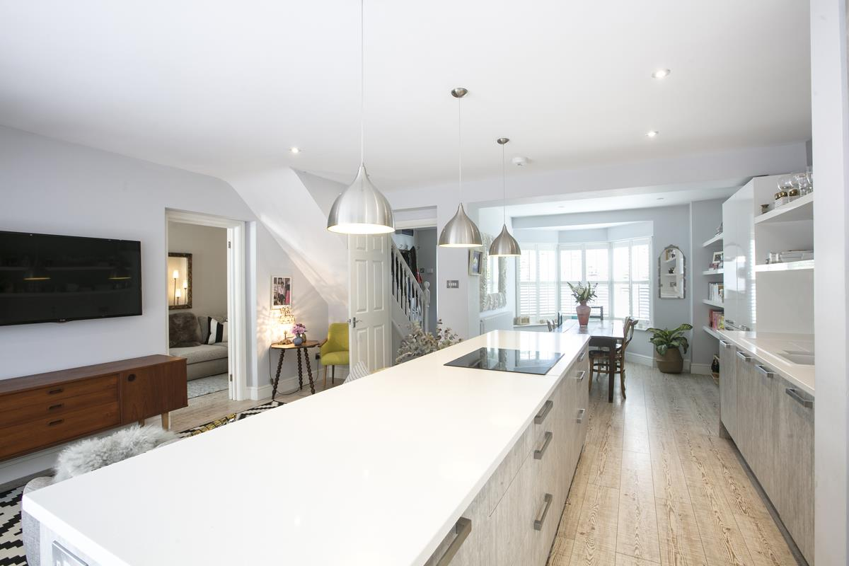 House - Semi-Detached Sale Agreed in Crofton Road, SE5 337 view6