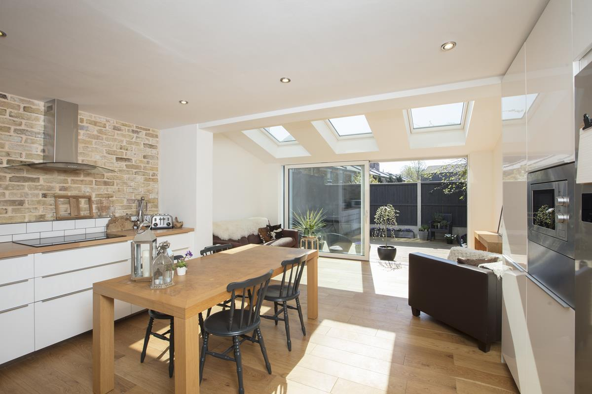 House - End Terrace Sale Agreed in Cromwell Road, SW9 316 view2