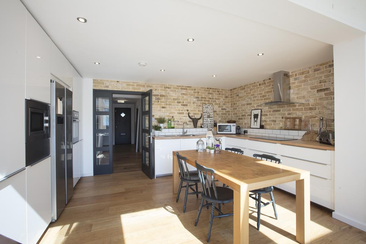 House - End Terrace Sale Agreed in Cromwell Road, SW9 316 view6