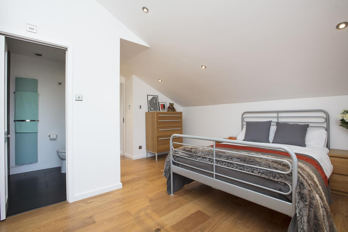 House - End Terrace Sale Agreed in Cromwell Road, SW9 316 view9