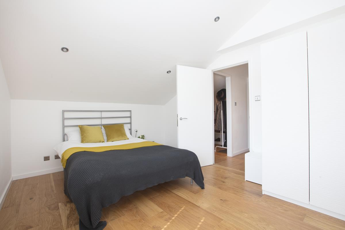 House - End Terrace Sale Agreed in Cromwell Road, SW9 316 view11
