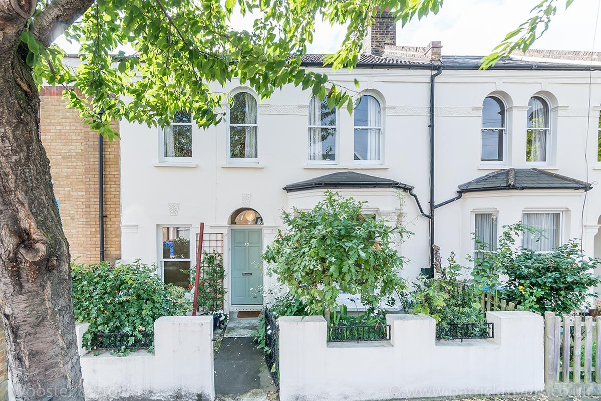 House - Terraced For Sale in Danby Street, SE15 195 view1