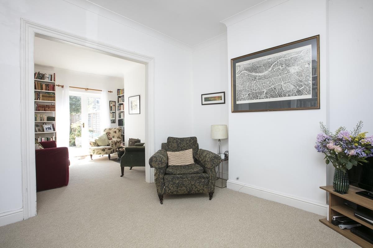 House - Terraced For Sale in Danby Street, SE15 195 view7