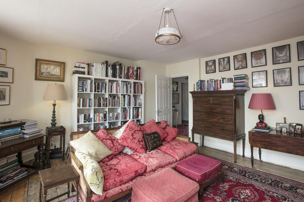 Flat/Apartment Sale Agreed in Deptford High Street, SE8 341 view9