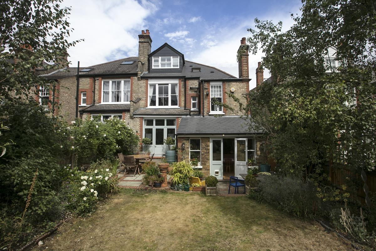 House - Semi-Detached For Sale in Earlsthorpe Road, SE26 367 view2