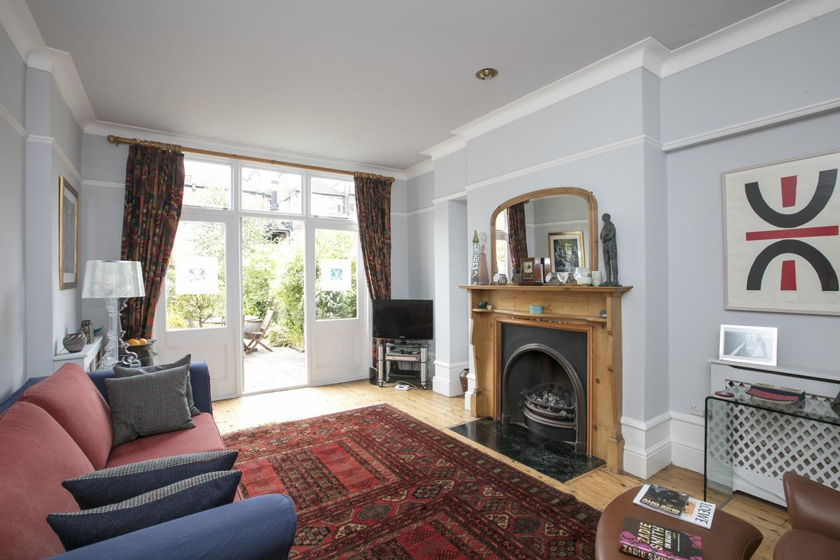 House - Semi-Detached For Sale in Earlsthorpe Road, SE26 367 view3