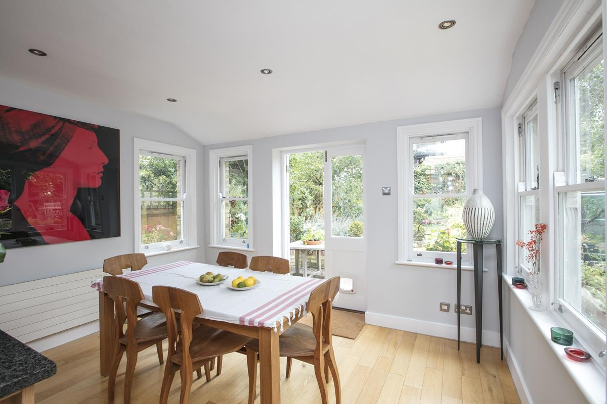House - Semi-Detached For Sale in Earlsthorpe Road, SE26 367 view8