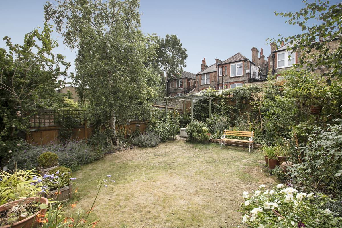 House - Semi-Detached For Sale in Earlsthorpe Road, SE26 367 view31