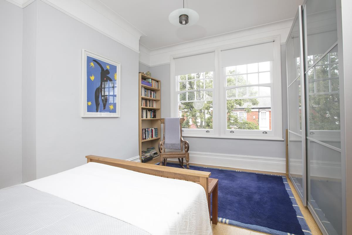 House - Semi-Detached For Sale in Earlsthorpe Road, SE26 367 view10