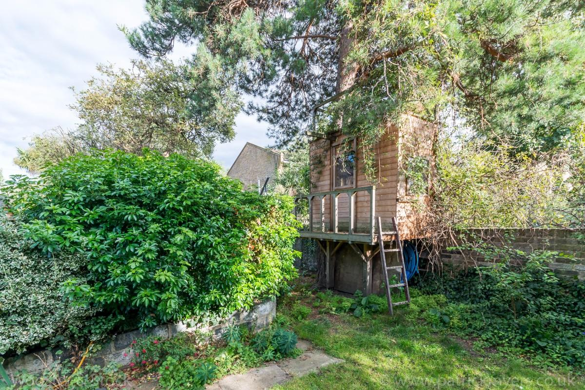 House - Semi-Detached Sold in Elm Grove, SE15 194 view13
