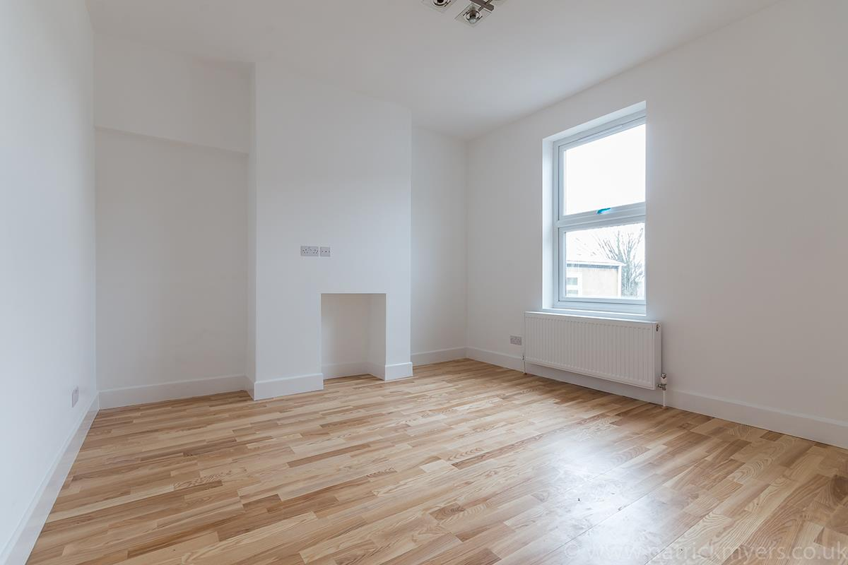 Flat - Conversion Sale Agreed in Gordon Road, London SE15 16 view7