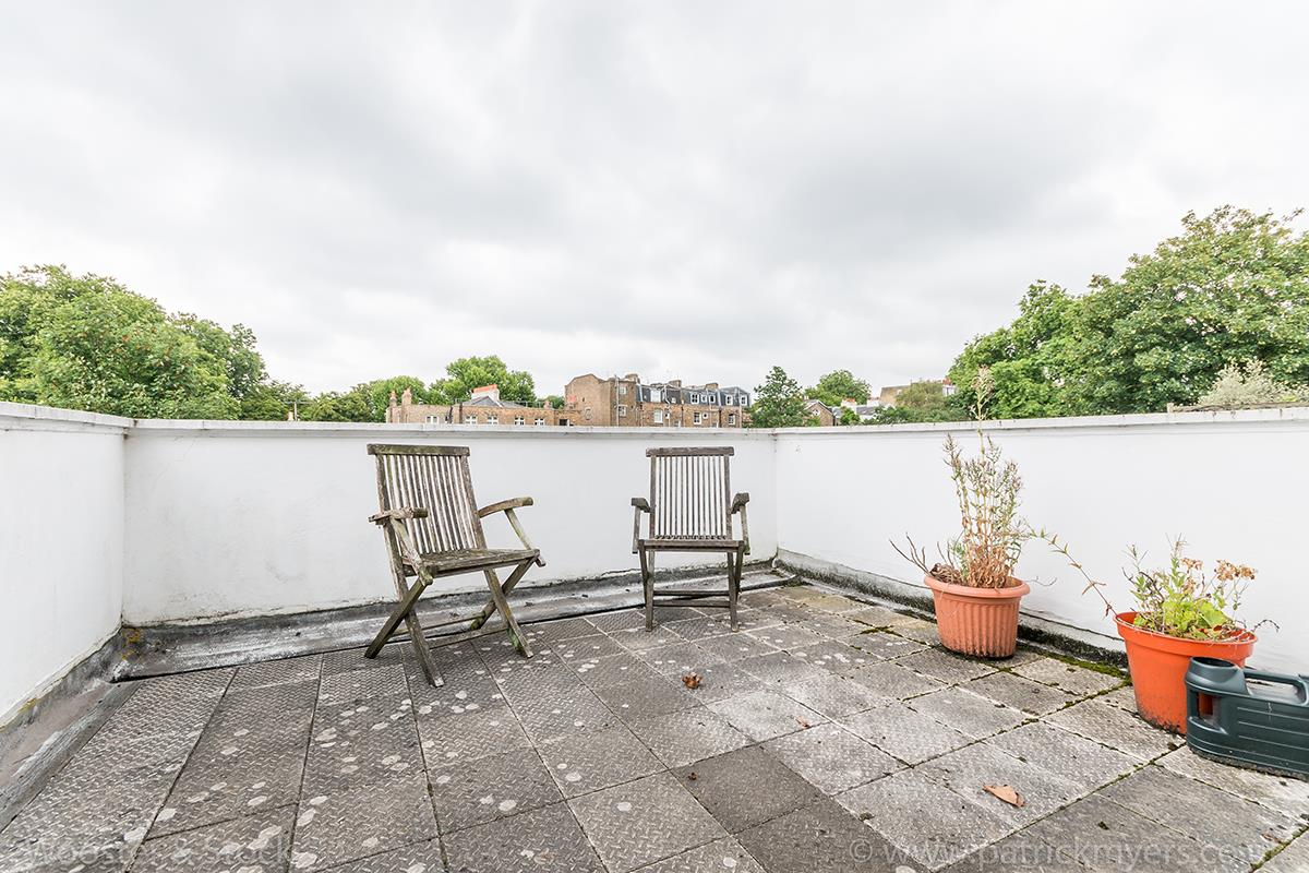 House - Terraced Sold in Grove Lane, SE5 121 view29