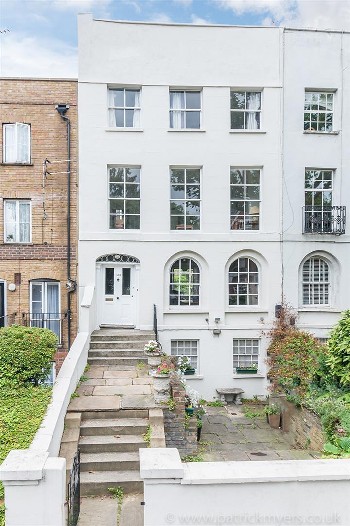 House - Terraced Sold in Grove Lane, SE5 121 view35