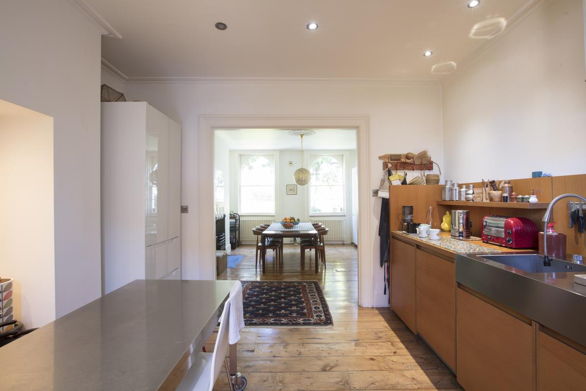 House - Terraced For Sale in Grove Lane, SE5 259 view6