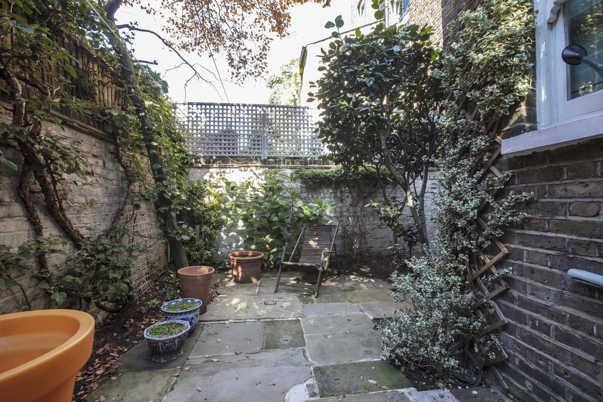 House - Terraced For Sale in Grove Lane, SE5 259 view13