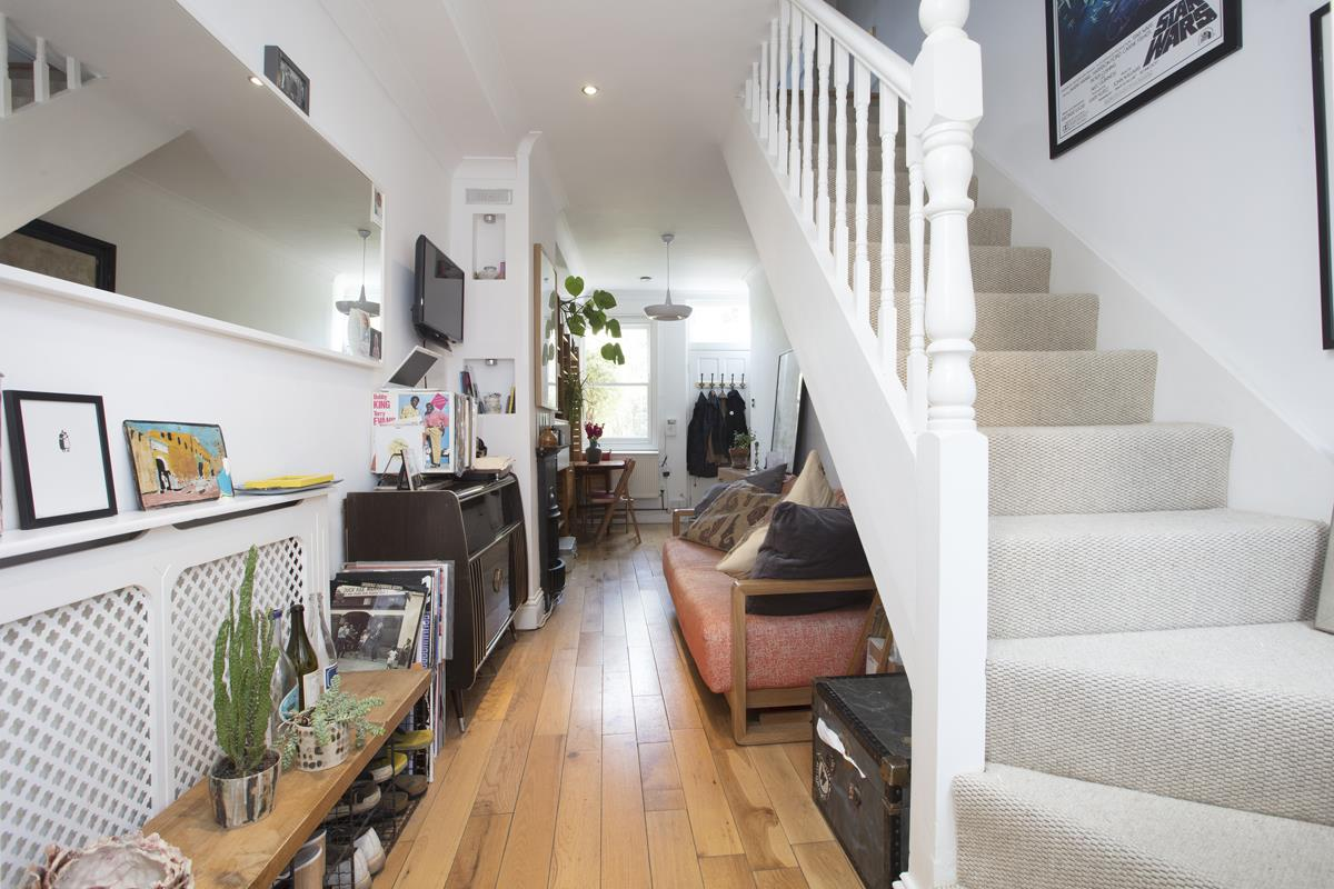 House - End Terrace Sale Agreed in Grove Lane, SE5 332 view2