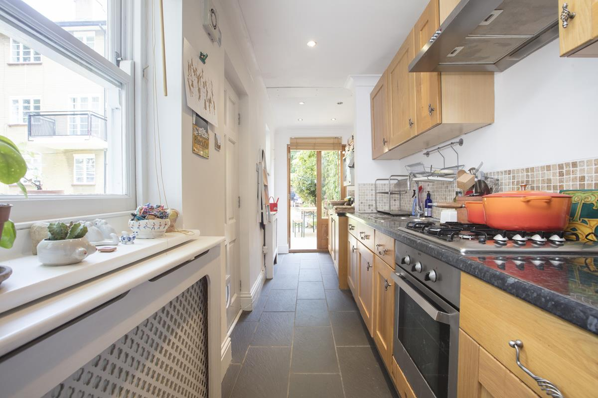 House - End Terrace Sale Agreed in Grove Lane, SE5 332 view4